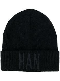 шапка с вышитым логотипом Han Kjøbenhavn