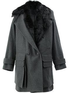 пальто с меховым воротником Juun.J