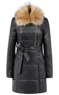 Зимняя кожаная куртка с поясом и отделкой мехом енота La Reine Blanche