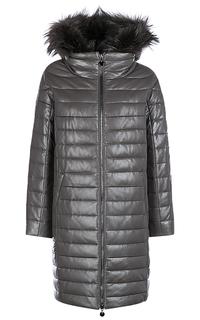 Утепленное кожаное пальто с капюшоном и отделкой мехом енота La Reine Blanche