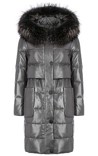 Зимнее кожаное пальто с отделкой мехом енота La Reine Blanche