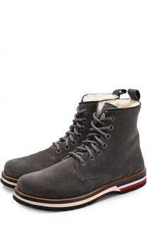 Высокие замшевые ботинки на шнуровке с внутренней меховой отделкой Moncler