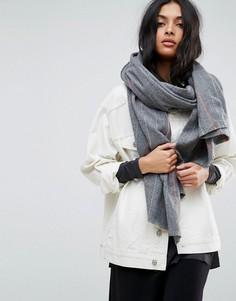 Длинный шарф в тонкую полоску ASOS - Серый