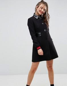 Приталенное пальто с лакированным воротником ASOS - Черный