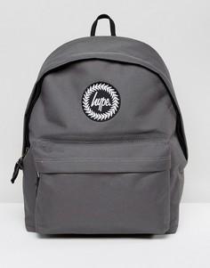 Эксклюзивный серый рюкзак с надписью на лямках Hype - Серый