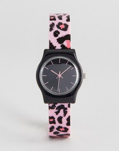 Часы с силиконовым ремешком и анималистическим принтом ASOS - Розовый