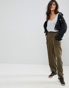 Зеленые брюки в стиле милитари ASOS - Зеленый