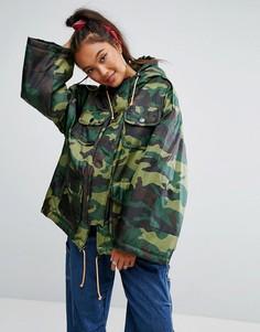 Дутая камуфляжная куртка с завязками в спортивном стиле ASOS - Зеленый