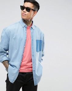 Джинсовая оверсайз-рубашка с контрастным карманом ASOS - Синий