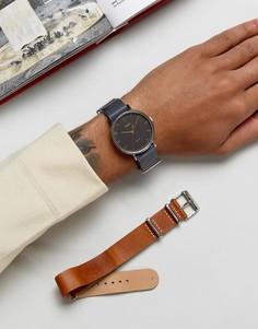 Часы со сменными кожаными ремешками коричневого/черного цвета Timex Fairfield - Рыжий