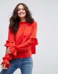 Блузка с высоким воротом и оборками на рукавах ASOS - Красный
