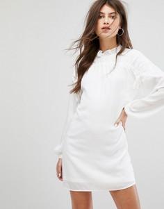 Свободное платье с длинными рукавами и сборками Fashion Union - Белый
