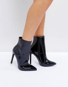 Черные блестящие полусапожки на каблуке Public Desire Harlee - Черный