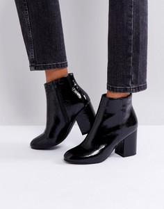 Лакированные ботинки на каблуке с закругленным носком New Look - Черный