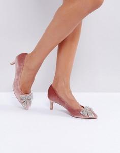 Туфли с каблуками-рюмочками и декоративной отделкой ASOS SUZETTE - Розовый