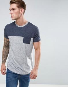 Длинная фактурная футболка с контрастной кокеткой и карманом ASOS - Серый