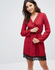 Платье с запахом и кружевной отделкой Rage - Красный