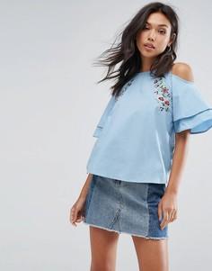 Блузка с открытыми плечами и вышивкой PrettyLittleThing - Синий
