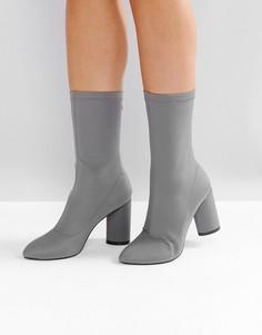 Темно-серые ботинки на каблуке RAID Dale - Серый