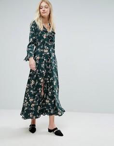 Платье макси с запахом и цветочным принтом Liquorish - Зеленый