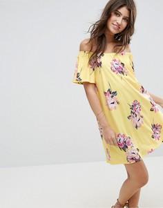 Желтое платье мини с открытыми плечами и цветочным принтом ASOS - Мульти
