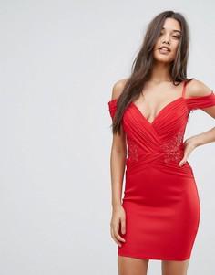 Облегающее платье с открытыми плечами и сборками Lipsy - Красный