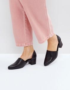 Черные кожаные туфли на среднем каблуке с вырезами и перфорацией Intentionally Blank - Черный