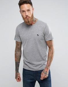 Серая футболка узкого кроя с круглым вырезом и логотипом Abercrombie & Fitch - Серый