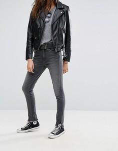 Зауженные джинсы с завышенной талией и необработанными краями Levis Altered 721 - Черный Levis®