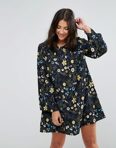 Свободное платье с цветочным принтом QED London - Темно-синий