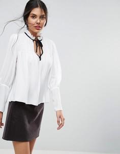 Свободная блузка с контрастной завязкой ASOS - Белый