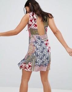 Платье с цветочным принтом Glamorous - Красный