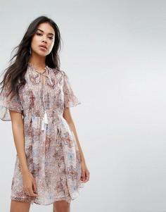 Платье мини с рукавами ангел и принтом пейсли Boohoo - Мульти