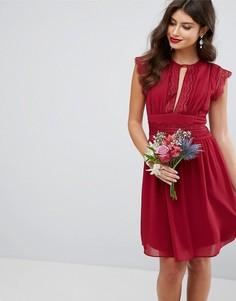 Платье миди с кружевной отделкой TFNC WEDDING - Красный