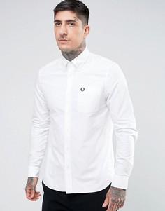 Белая оксфордская рубашка с карманом Fred Perry - Белый