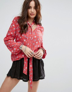 Свободная блузка с цветочным принтом Honey Punch - Красный