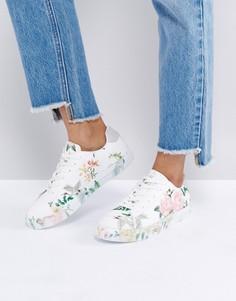 Кроссовки на шнуровке с цветочным принтом New Look - Розовый