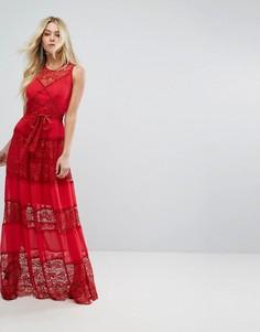 Платье макси с кружевными вставками и поясом Bodyfrock - Красный