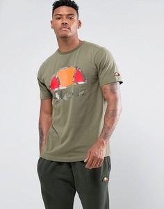 Зеленая футболка с большим камуфляжным логотипом Ellesse - Зеленый