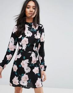 Черное платье мини с цветочным принтом Ax Paris - Черный