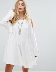 Платье с открытыми плечами Free People Clear Skies - Белый