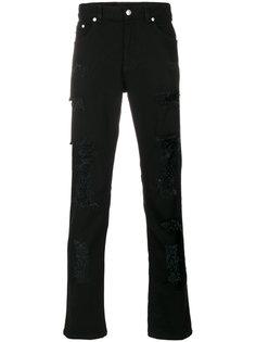 джинсы кроя слим с отделкой булавкой Versus