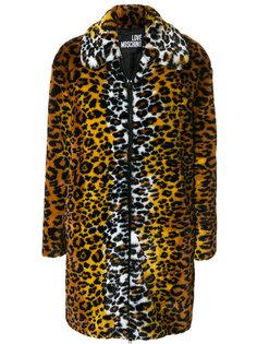 пальто с леопардовым принтом  Love Moschino