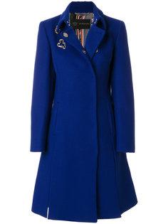 пальто с люверсами  Versace