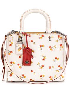 сумка на плечо с принтом вишни Coach