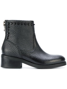 ботинки с заклепками Nubikk