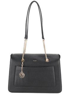 сумка на плечо с цепочной вставкой DKNY