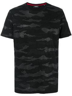 футболка с камуфляжным принтом Diesel