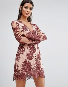 Кружевное платье с длинными рукавами Finders Spectral - Красный