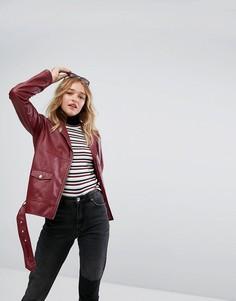 Байкерская куртка из искусственной кожи Monki - Красный